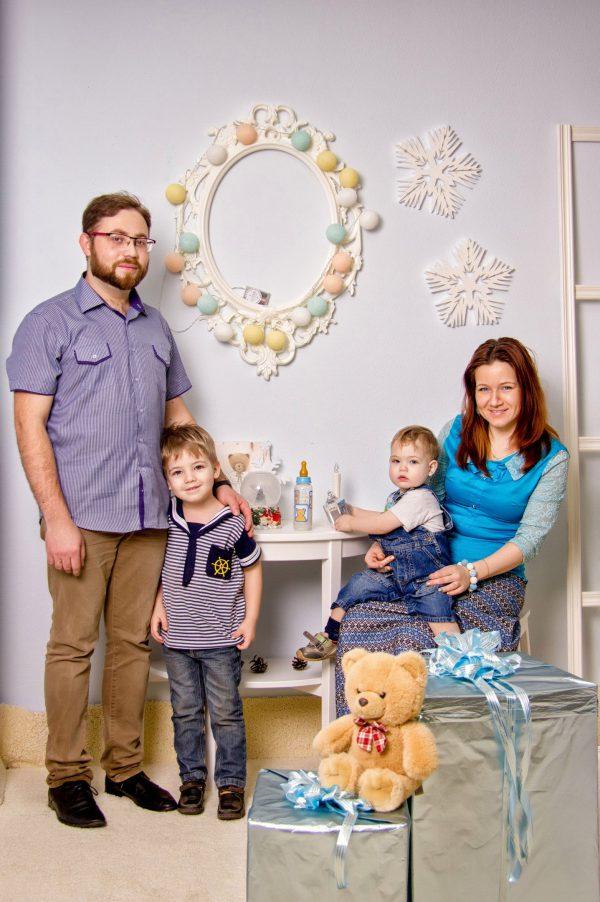 Семейная фотосъемка. Студийная фотосъемка. Заказать фотографа.